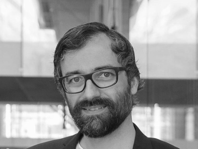 picture of Stefan Rutzinger